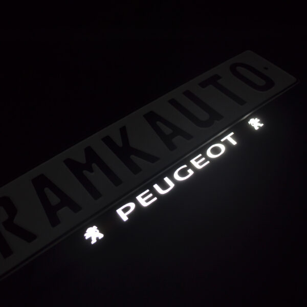 Рамка номера peugeot с подсветкой надписи