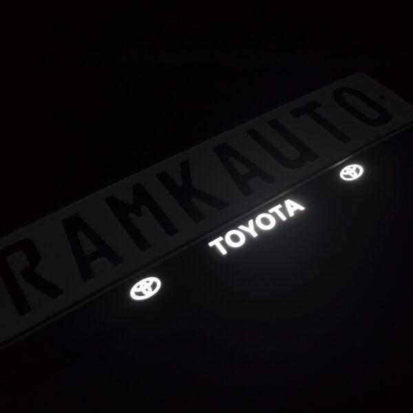 Рамка номера toyota с подсветкой надписи